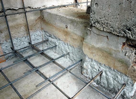 コンクリートの鉄筋補強状況