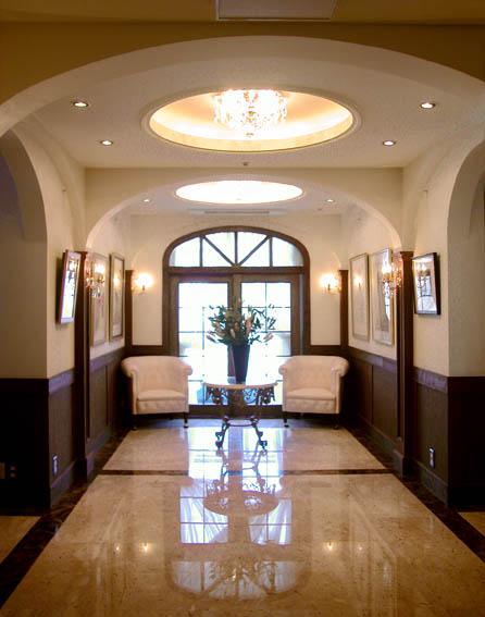 クラッシックな玄関ホール