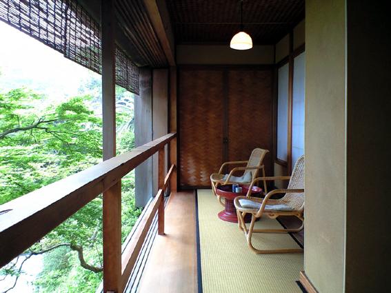 伊豆山蓬莱のテラス