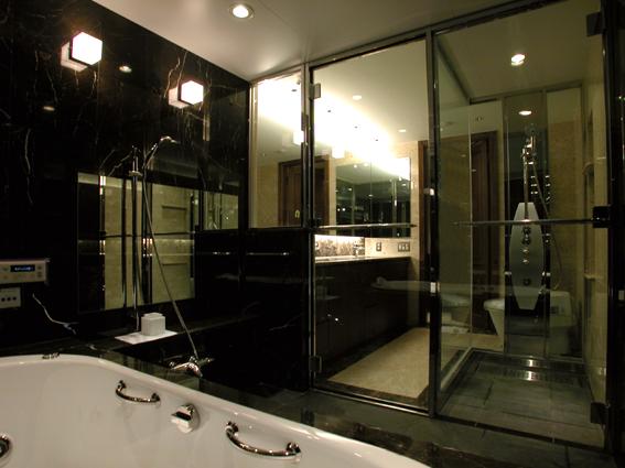 クールモダンな浴室周りリフォーム