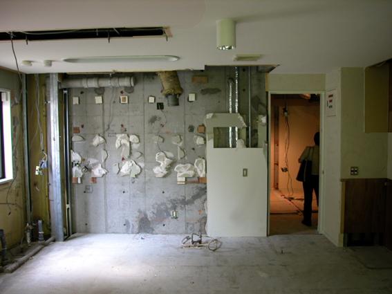 解体後のキッチン