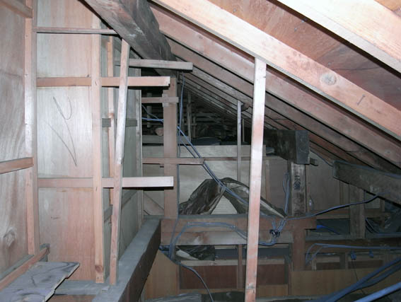 屋根裏の構造