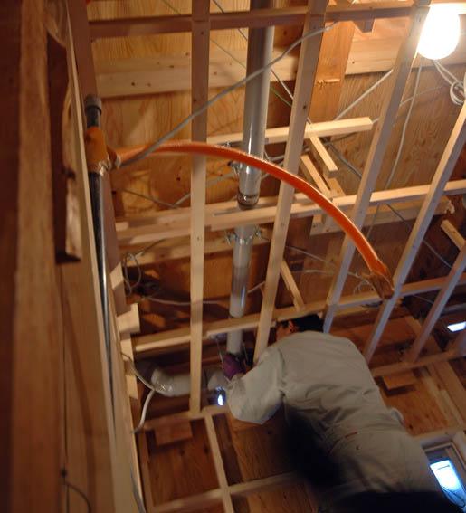 二階排水管の配管中