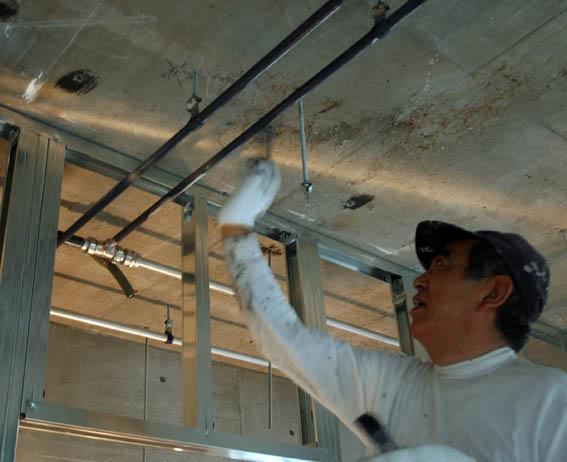 ステンレス管防錆塗料塗布