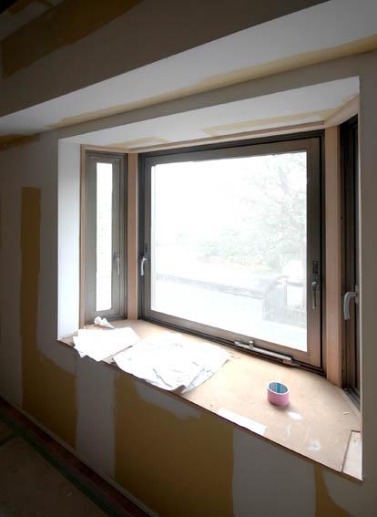 子供部屋出窓の開口枠