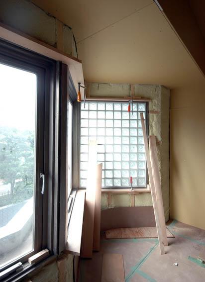 寝室変形出窓部分枠