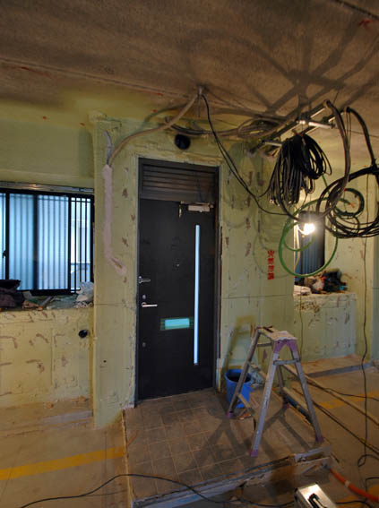 玄関扉周りの解体状況