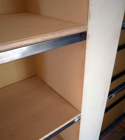塗り込み本棚の詳細
