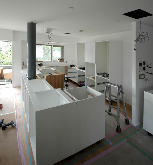 キッチン組み立て