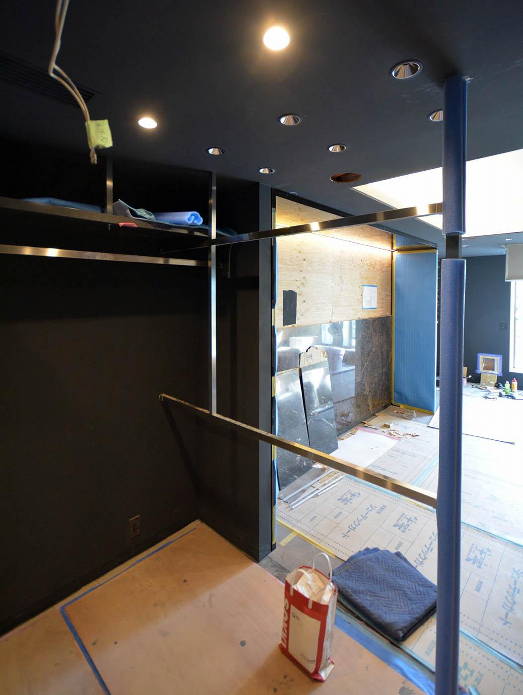 照明組み込みハンガーレール設置@主寝室ウォークインクローゼット