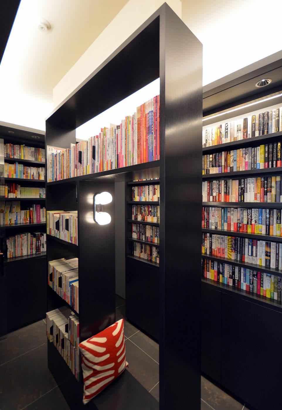 住宅内のプライベート図書館