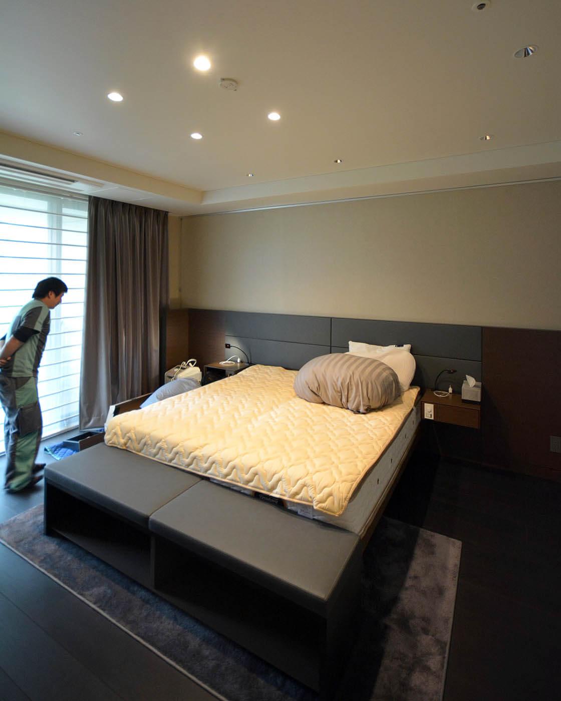 寝室枕元照明の補修工事