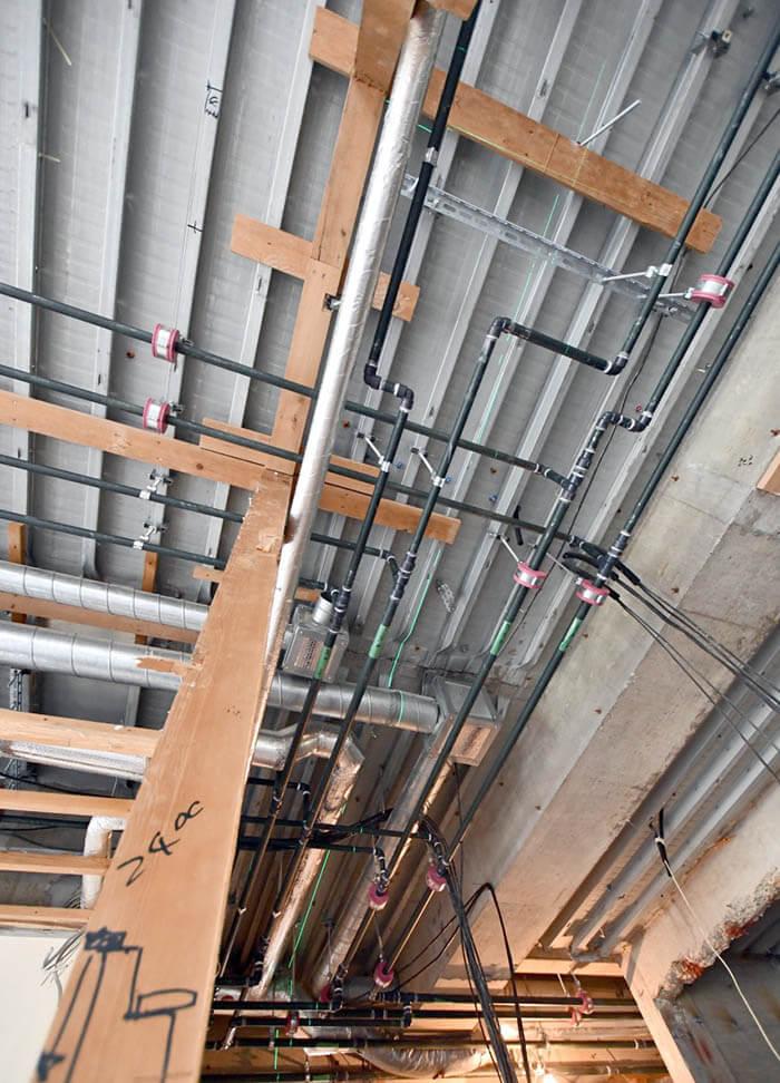 天井裏配管の確認