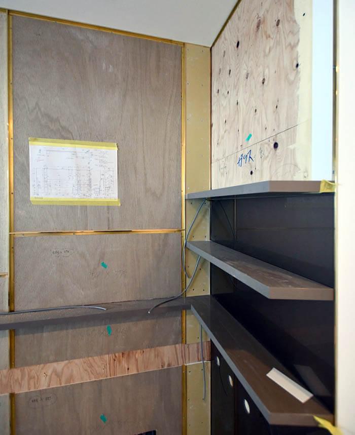 真鍮見切り壁のディテール