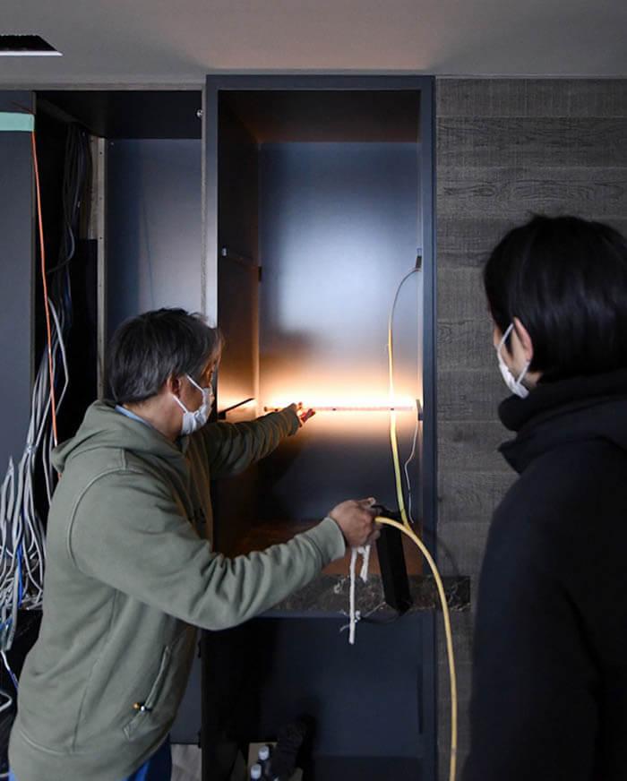 飾り棚の間接照明実験
