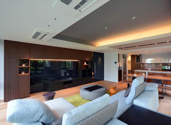 ミノッティのソファのマンションインテリア_ヤング